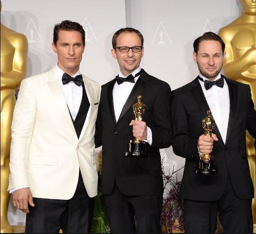 Matthew McConaughey mit den glücklichen Oscar-Gewinnern Laurent Witz (Mitte) und Alexandre Espigares (rechts)