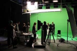 Im Fernsehstudio der HFF München