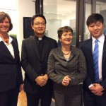 Ministerin Ilse Aigner, Father Michael Chang, Michaela Haberlander, Kim Young-Hoon (General Electric)